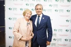 La doctora Anna Lluch y el farmacéutico José Luis Daroqui.