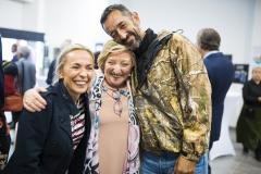 La enfermera de la Fundación Cavadas, Vanessa Alemany, la doctora Anna Lluch y el doctor Pedro Cavadas.