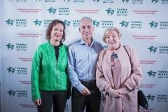 Leire Pajín, José Manuel Ventura y la oncóloga valenciana y miembro de la Cátedra Farmamundi, Anna Lluch.