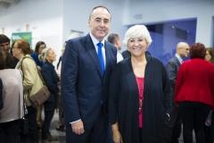 El director del Departamento de Negocio-Marketing de Caixa Popular, José María Company y  la directora general de Cooperación de la Generalitat Valenciana, Antonia Moreno.