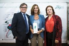 Ricard Troiano, Cristina Tiemblo y la delegada de Farmamundi en Madrid y miembro de Junta, Carmen Mijimolle.