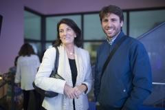 La vicedecana de la Facultad de Farmacia de la Universitat de València, Marisa Ferrandiz y el responsable de Calidad y Comunicación, Javier Pereda