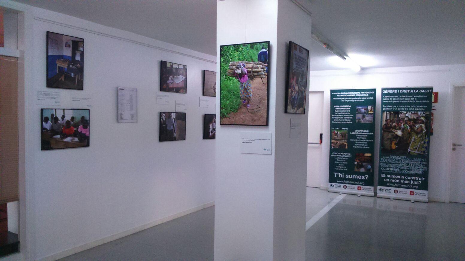 Farmamundi ofrece la exposición Género y Salud en Santiago de Compostela