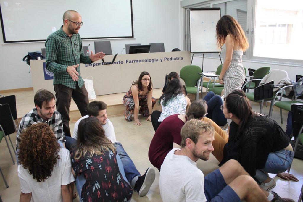 Junto con Farmamundi, el alumnado se ha involucrado en experiencias de atención a colectivos en situación de exclusión social