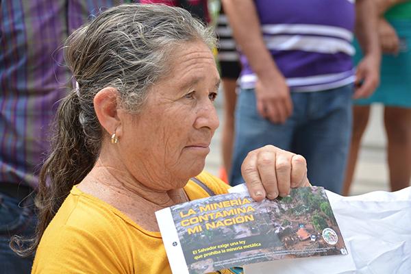 Movilizaciones sociales en El Salvador para evitar la explotación minera de su tierra