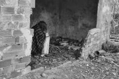 Esta foto refleja las condiciones de pobreza extrema y de poca salubridad, en las que viven unos 702 millones de personas, un 9,6% de la población mundial, en muchos países de África, Latinoamérica, Asia… incluso en España.   Tamara Fernández Granda, 5 de abril de 2018, Colunga, Asturias.