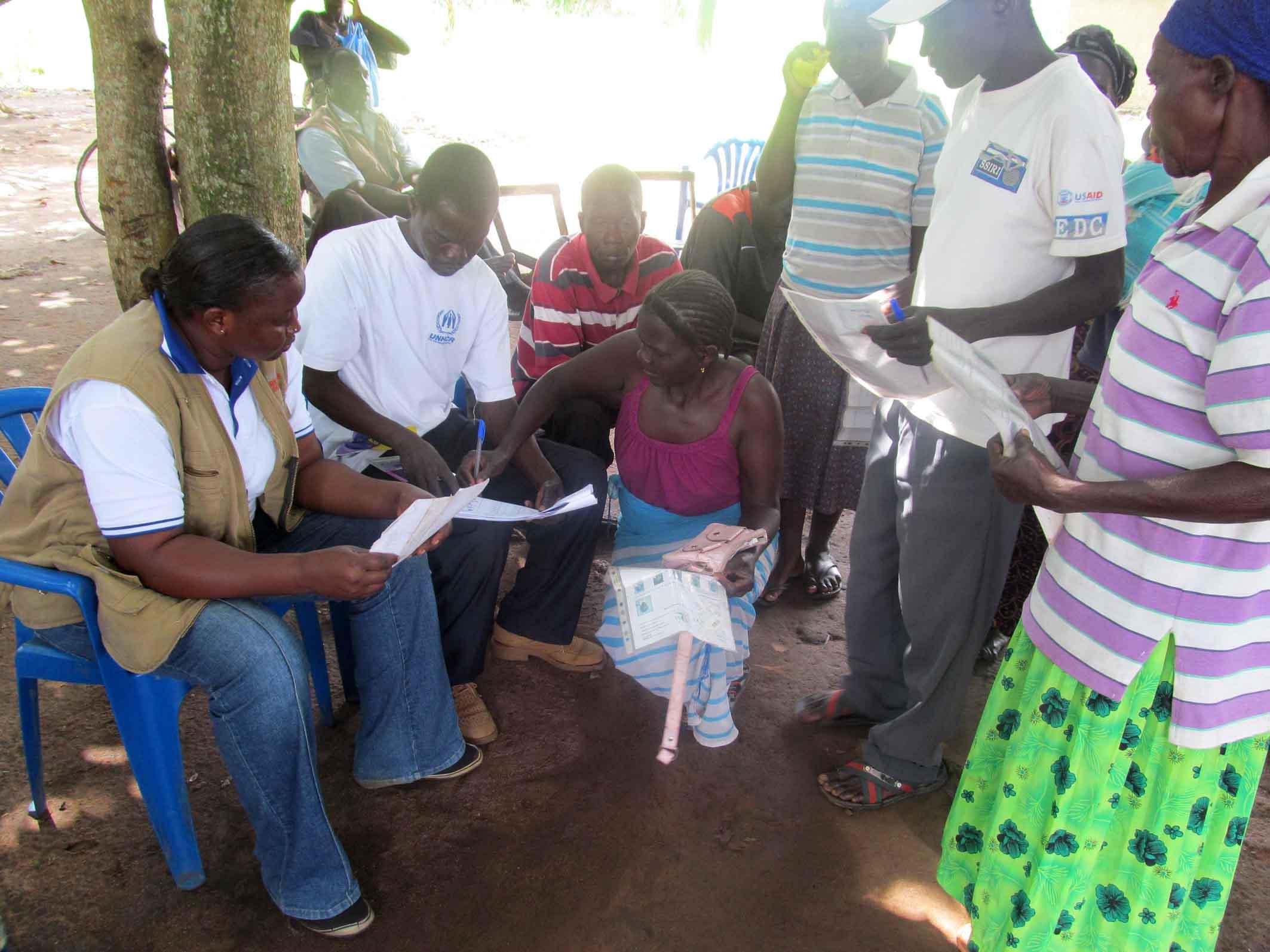 Distribuimos mosquiteras y kits de higiene a familias congoleñas refugiadas en Uganda