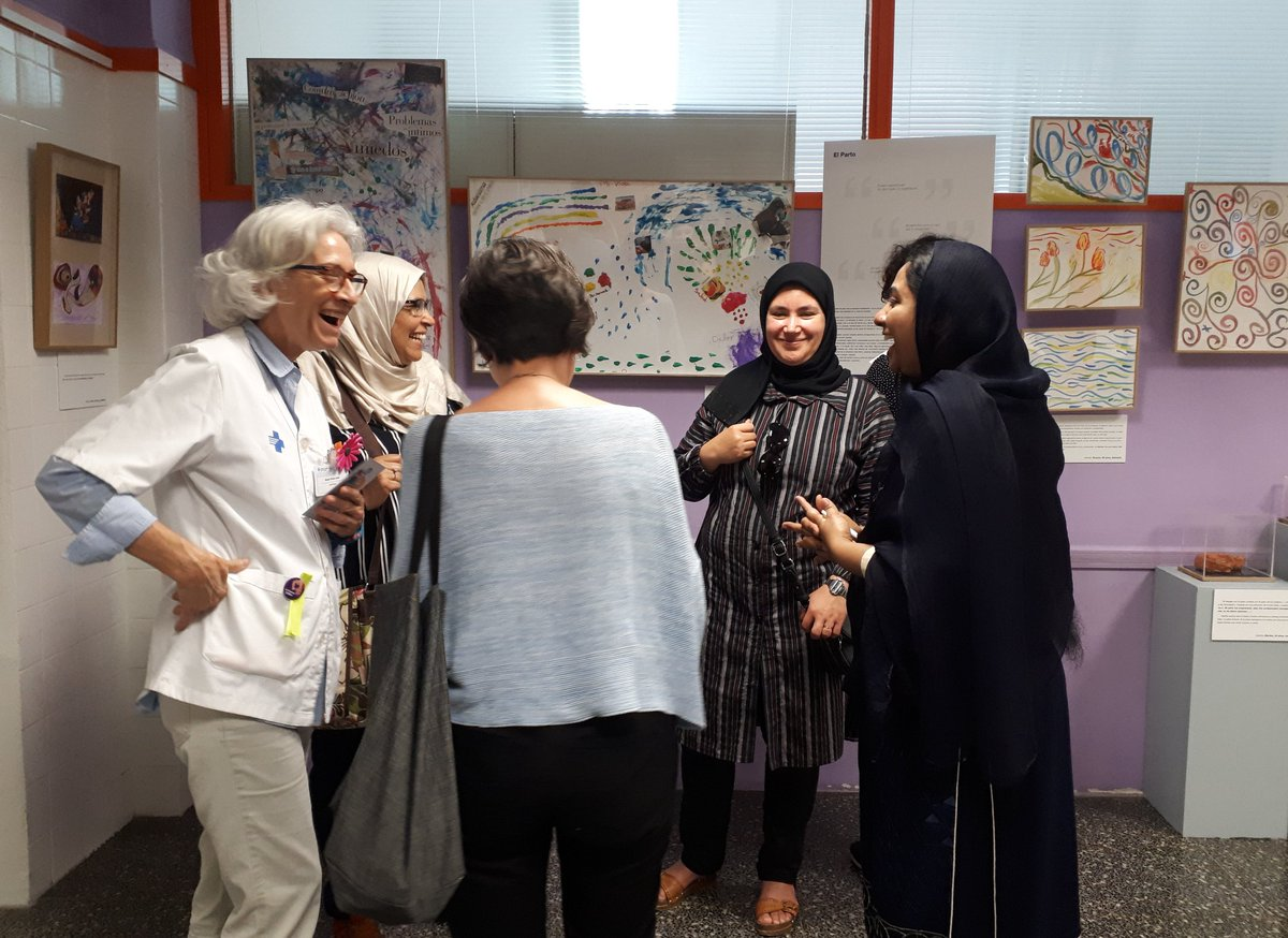Exponemos las reflexiones a través del arte sobre la asistencia a mujeres de diferentes orígenes durante el embarazo y el parto