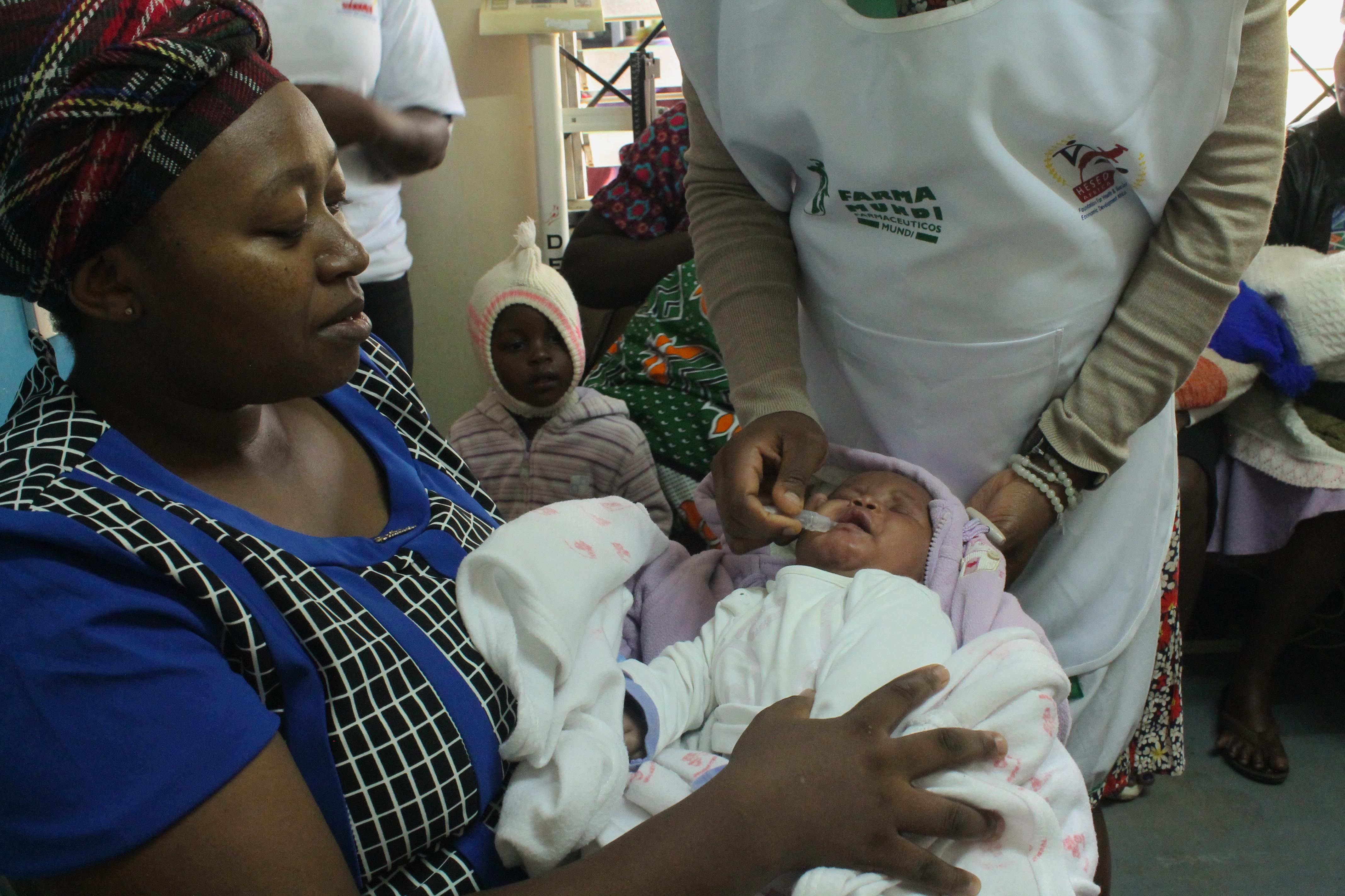 Ofrecemos asistencia sanitaria, alimentos y kits de higiene a familias refugiadas en Nairobi
