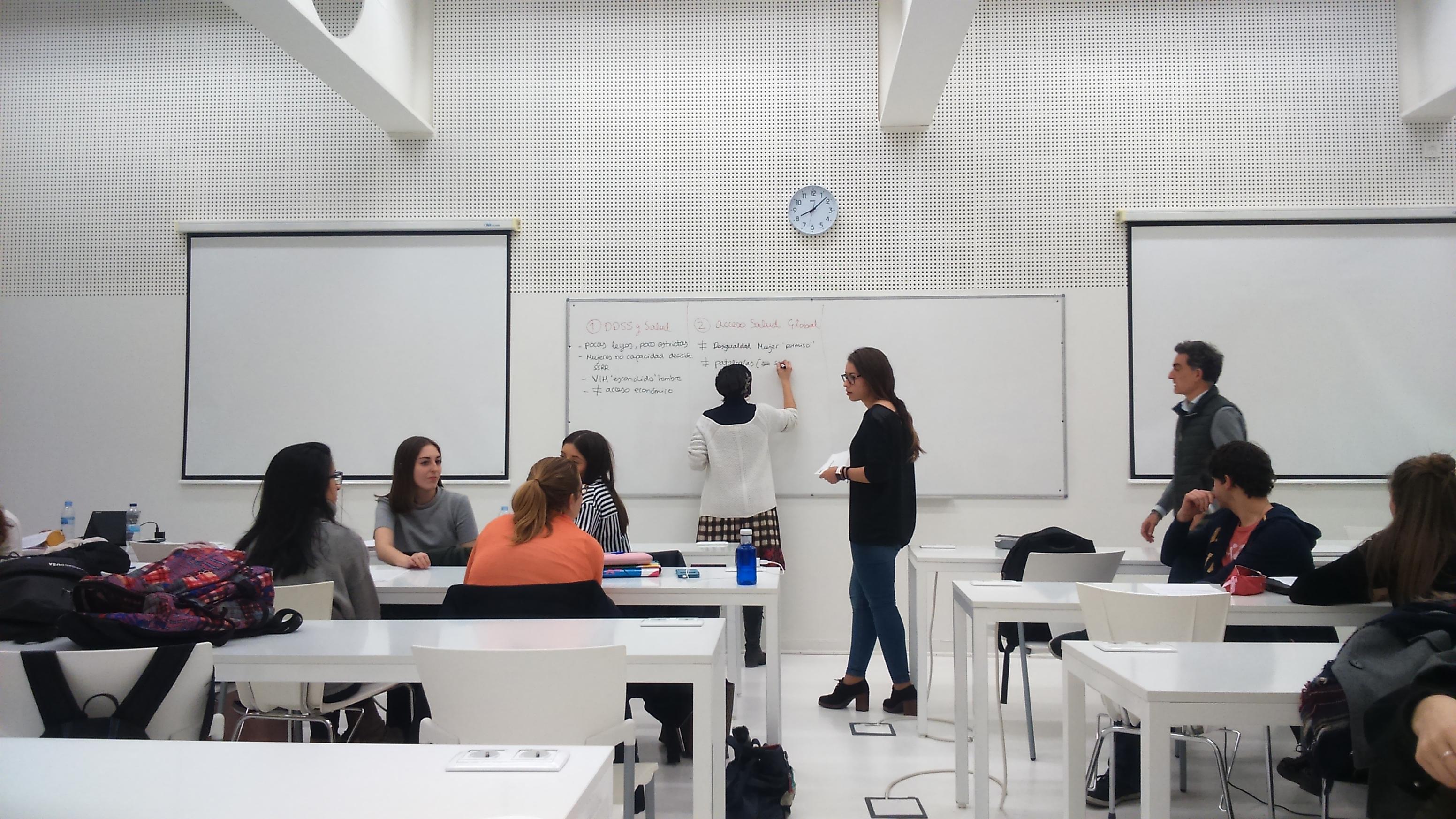 Formamos a jóvenes estudiantes de Zaragoza sobre el derecho a la salud y los ODS