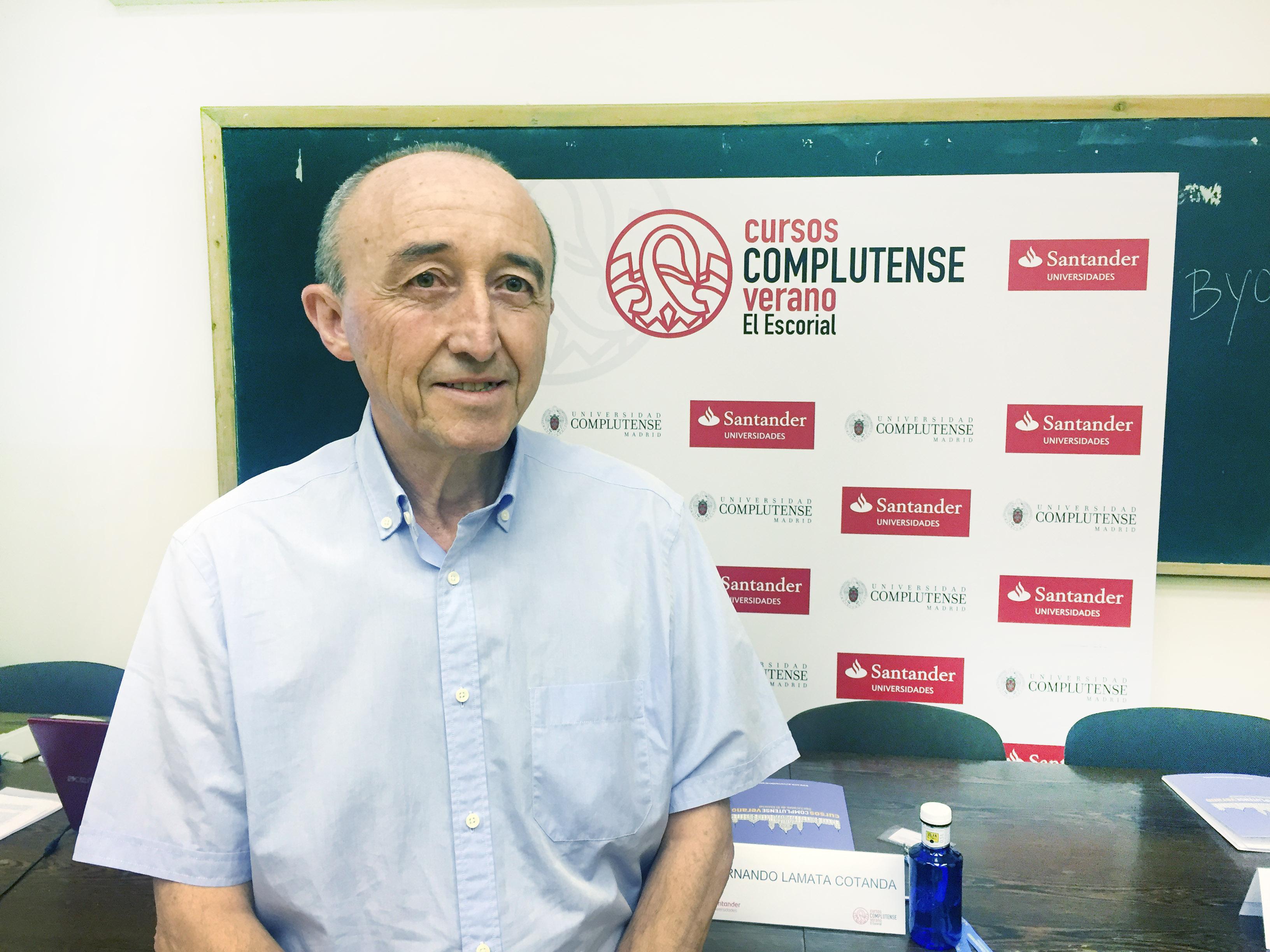 """Fernando Lamata: """"El medicamento es un derecho humano y no un producto financiero para especular"""""""