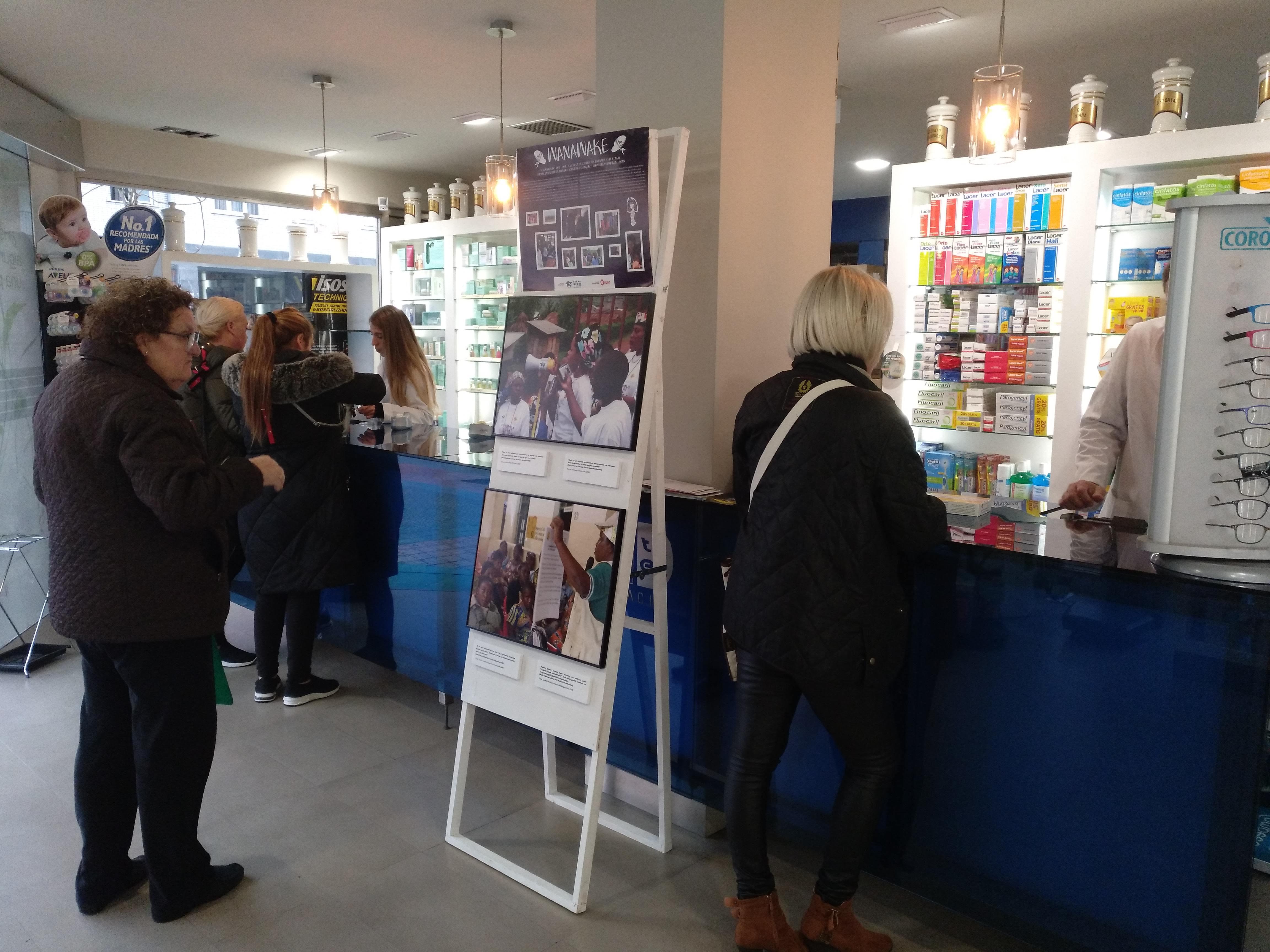 Farmamundi ha organizado la exposición itinerante en farmacias de Bilbao