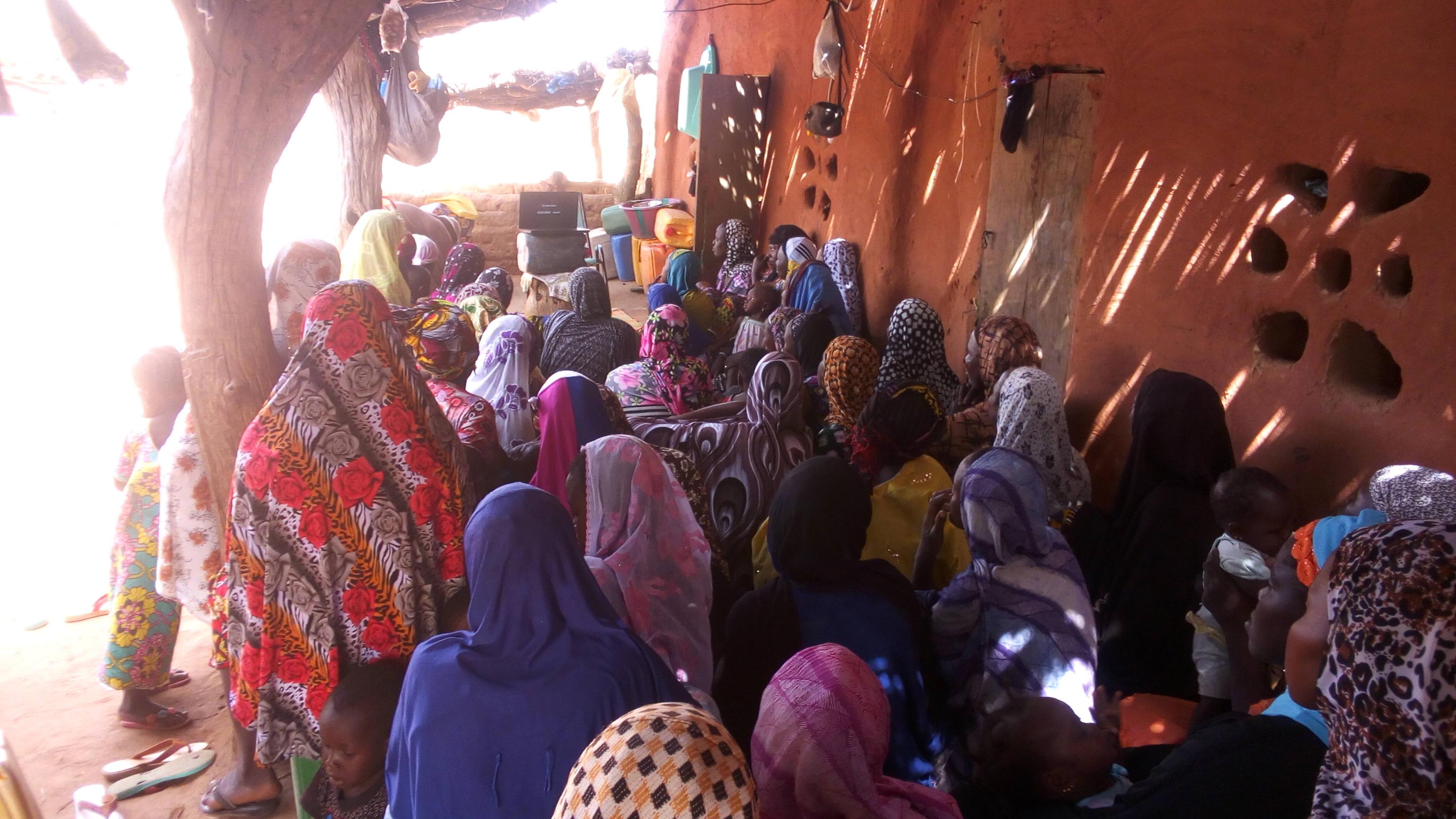 Inauguramos la muestra 'Mujer y salud: acercándonos a Malí' en la Universidad de Córdoba