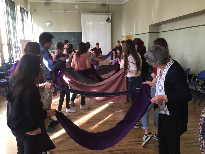 Sensibilizamos a más de 60 estudiantes de la Universidad de Oviedo sobre la equidad de género en el acceso a la salud