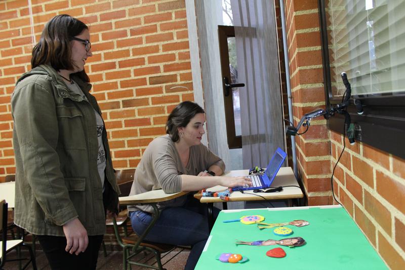 Las personas asistentes pudieron elaborar sus piezas creativas con la técnica de 'stop motion'