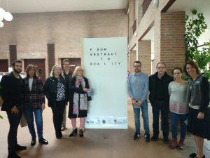 Ayuntamiento de Salamanca, Junta de Castilla y León y Universidad de Salamanca han apoyado la presentación de la exposición artística 'From abstract to reality' de Farmamundi