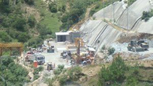 Actualmente bastantes comunidades de Guatemala hacen frente a mega proyectos de minería e hidroelectricidad que destruyen su territorio