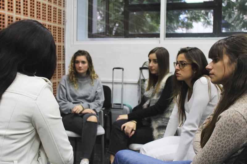 Mujeres de diversos orígenes contaron su testimonio en la mesa de diálogo organizada por Farmamundi