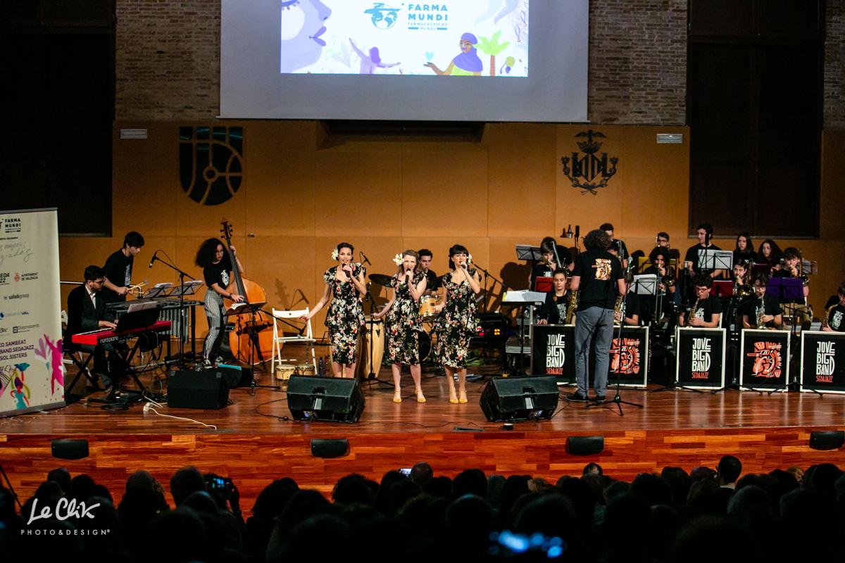 Más de 300 personas vibraron en el concierto solidario por las mujeres refugiadas