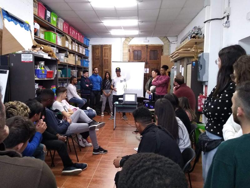 Jóvenes de Valencia han participado en un proyecto de Educación para el Desarrollo con el fin de transformar su realidad social y superar la exclusión y vulnerabilidad social
