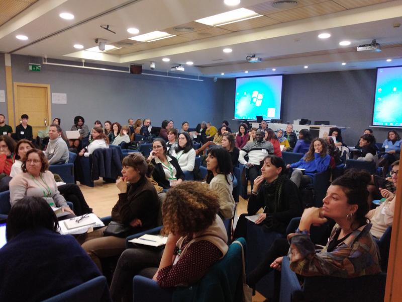 La mesa de concertación celebrada en Valencia por Farmamundi tuvo diferentes momentos de desarrollo siguiendo la metodología
